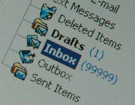 Warning Your Inbox is Full: 6 Managing Email Tips